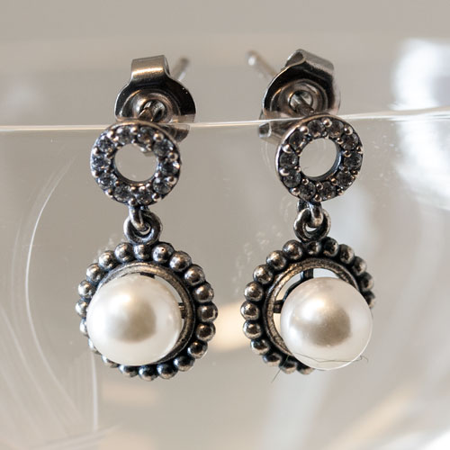 925 silver earring with white pearls