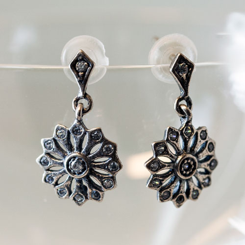 silver earring flower