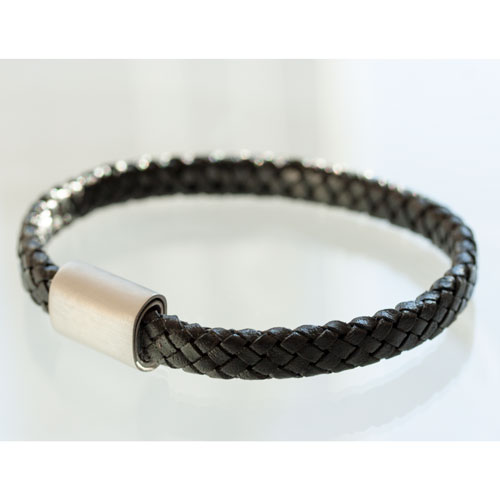 Braided leather with a magnetic stainless steel bracelet