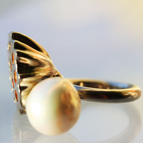 side view of lotus seed pearl ring